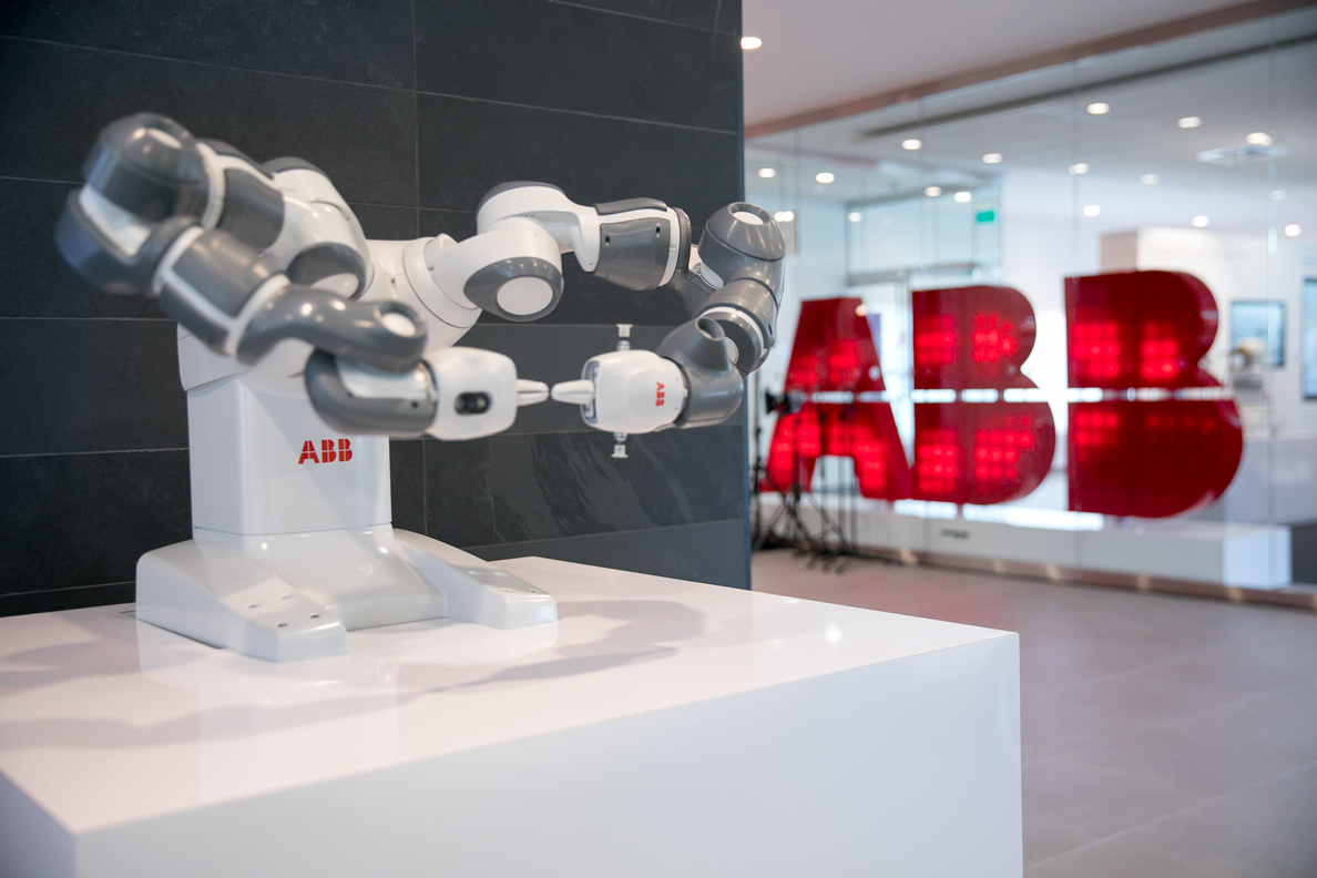 ABB's brand new Customer Innovation Center in Montreal, showcases ABB Ability, the company's comprehensive digital offering.