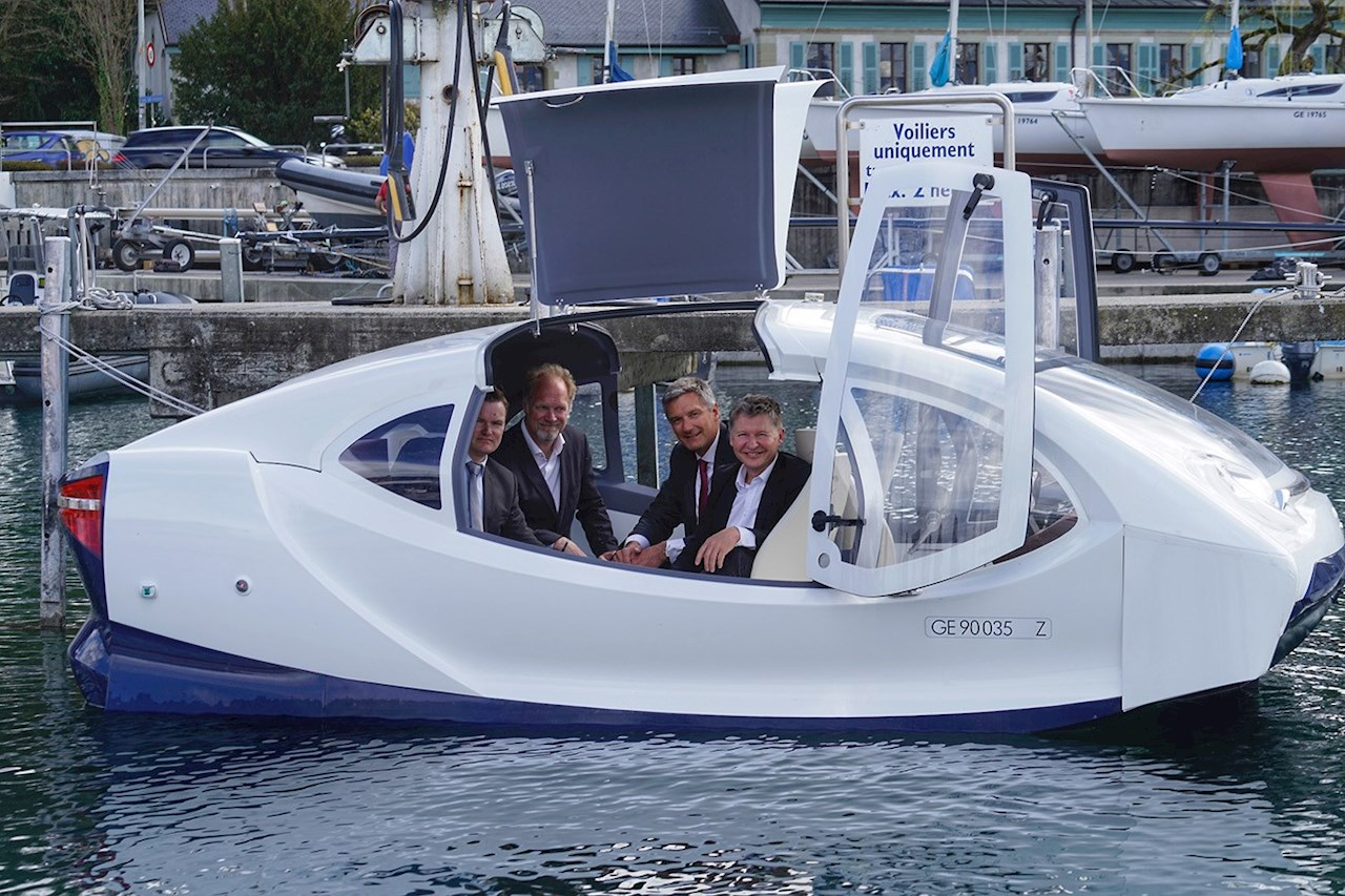 Kenneth Nakken, Vice President Digital Service ABB Marine & Ports, Anders Bringdal, Founder and CEO Seabubbles, Thierry Lassus, Managing Director ABB Sécheron, Alain Thébault, Co Founder & Vice-President Seabubbles (vlnr)